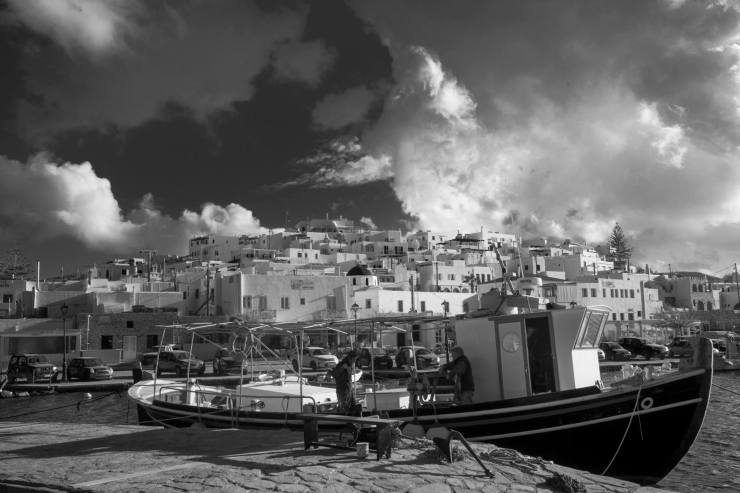 Naoussa clouds-fishermen-landscape-adam-czarnowski-wedding-photographer-paros